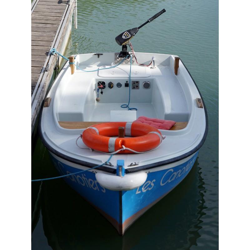 location bateau moteur electrique ou thermique sans permis charente. Black Bedroom Furniture Sets. Home Design Ideas